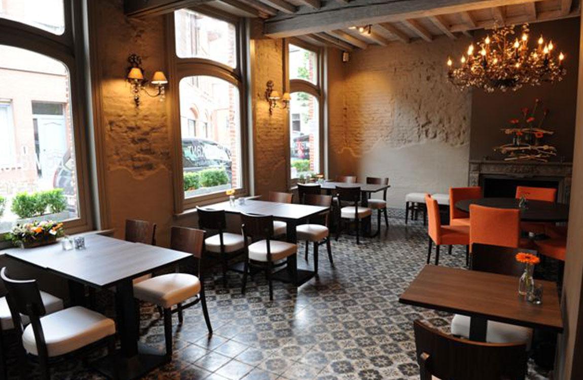 Cafe inrichting elegant door duurzame materialen te for Interieur zaken